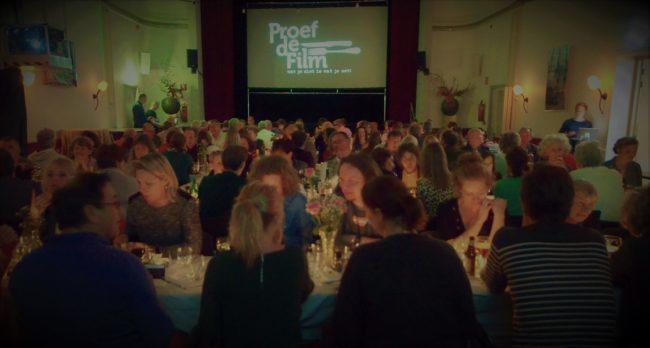 Publiek en zaal Proef de Film